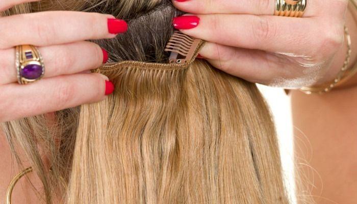 Extensions de cheveux avec clips