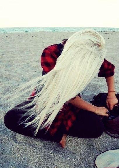 Nager avec les rallonges de cheveux